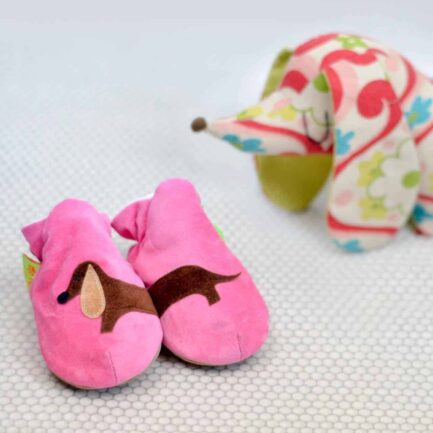 Sausage dog baby shoes & booties - Cerise